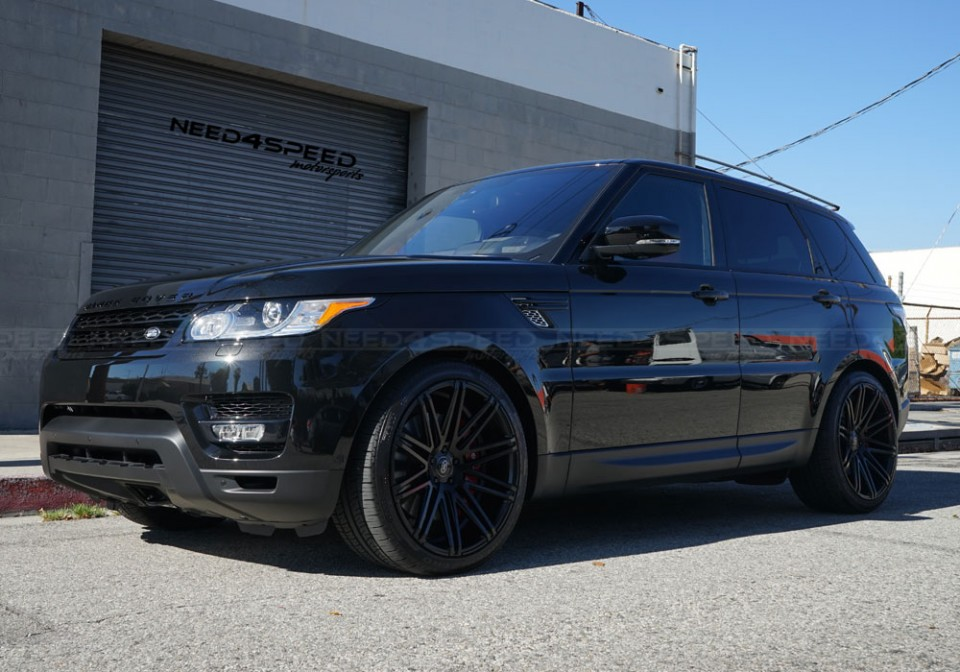 XO Milan Matte Black all bossed out on the Range Rover Sport