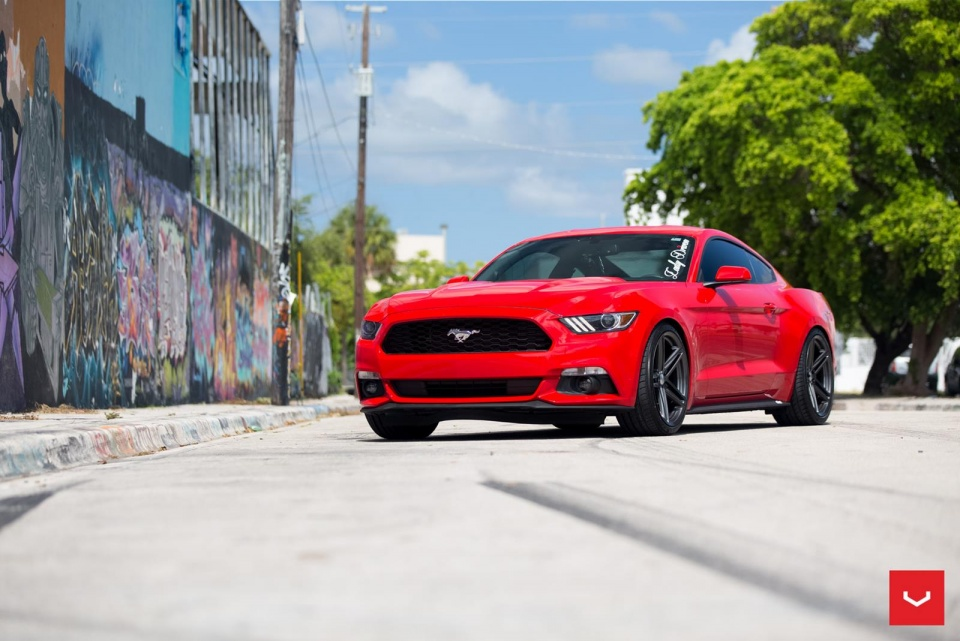 Ford Mustang S550 Gets The New Gloss Graphite Vossen Vfs5