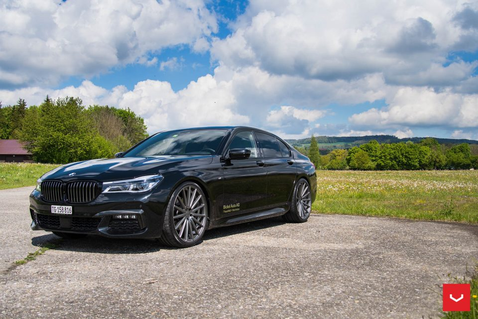 BMW Performance Exhaust >> New 2017 BMW 7-Series get a whole new look with some ...