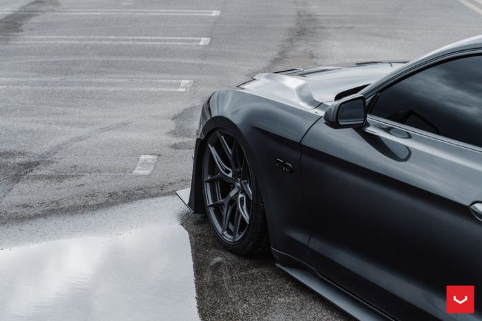 ford mustang hybrid forged series hf  vossen wheels   x