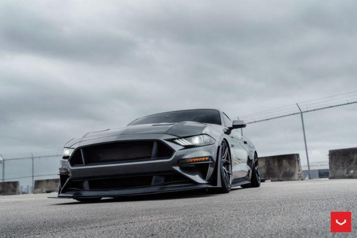 Mustang s550 gt hybrid forged matte gunmetal hf5 vossen wheels