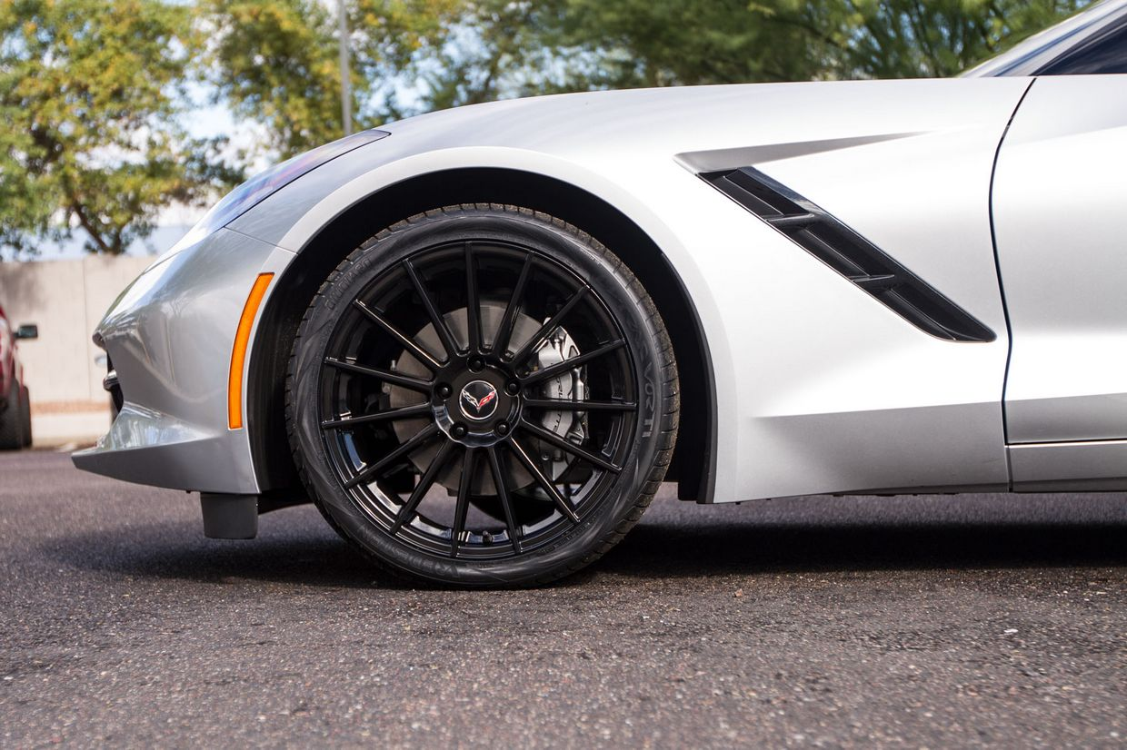 Cray Cray Mako Wheels on Chevrolet Corvette C7