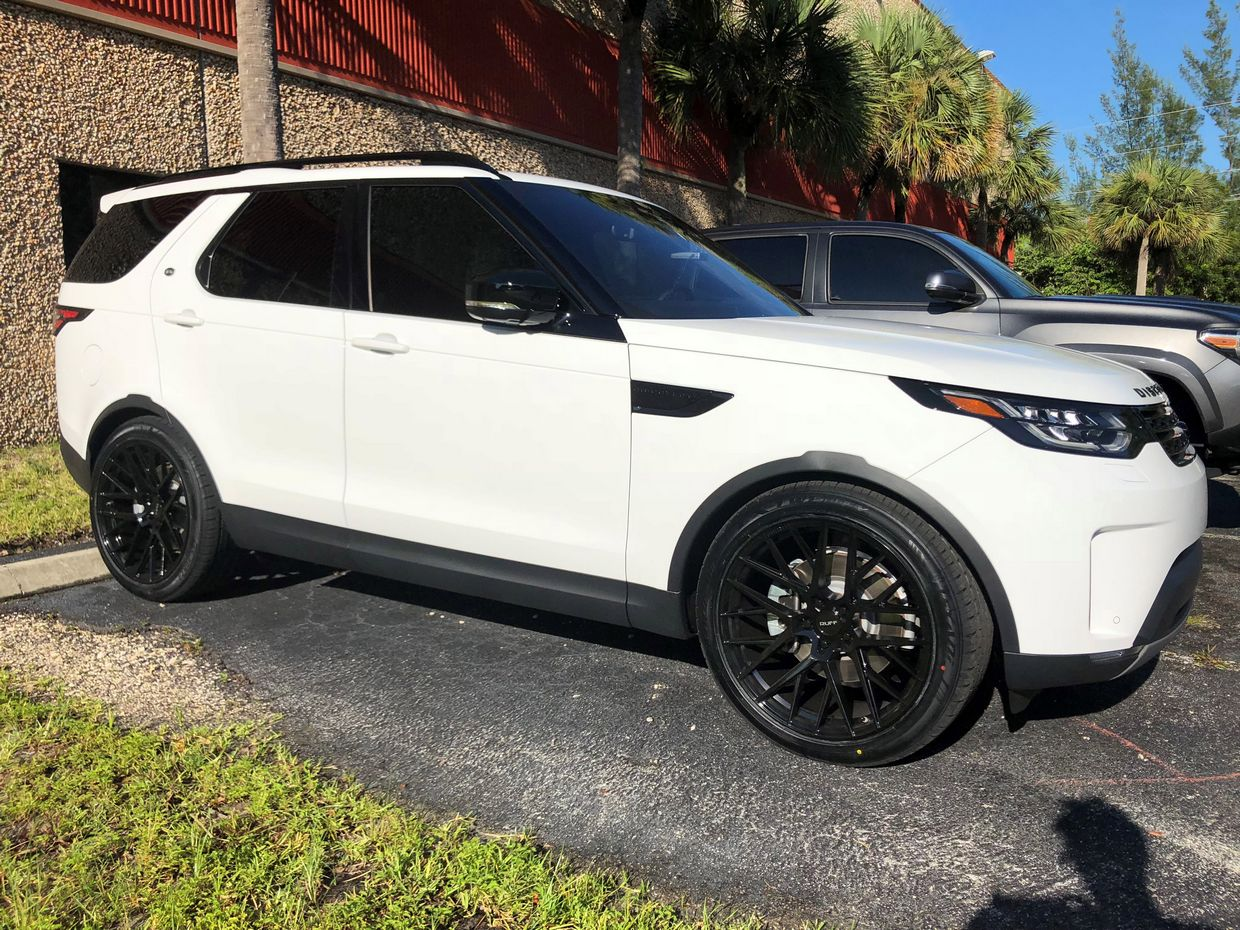 Ruff Ruff Wheels on Land Rover Discovery