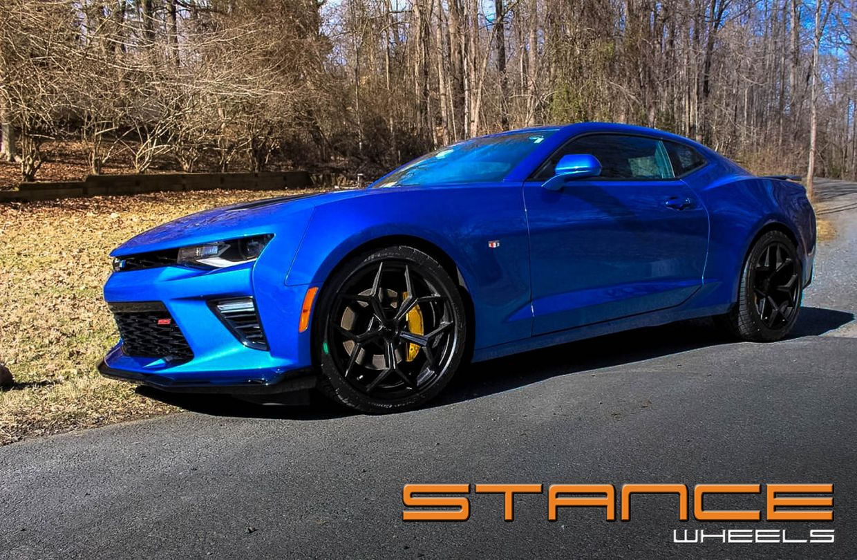 Stance SF06 on Chevy Camaro