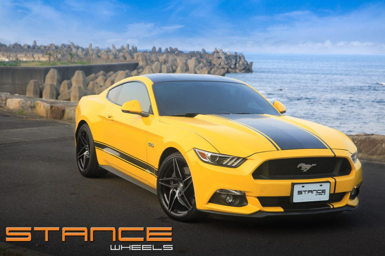 Stance SF04 on Ford Mustang