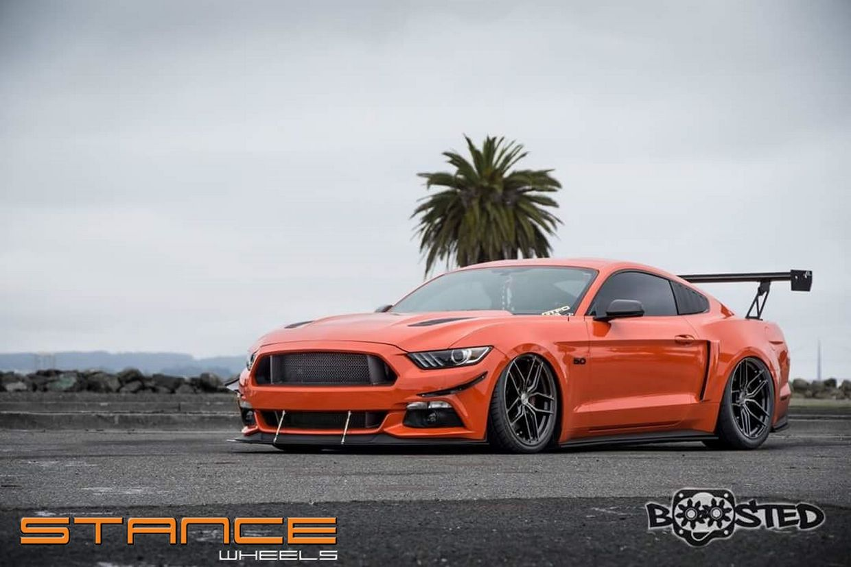 Stance SF03 on Ford Mustang