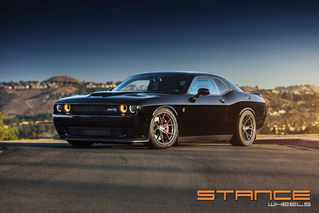 Stance SF07 on Dodge Hellcat