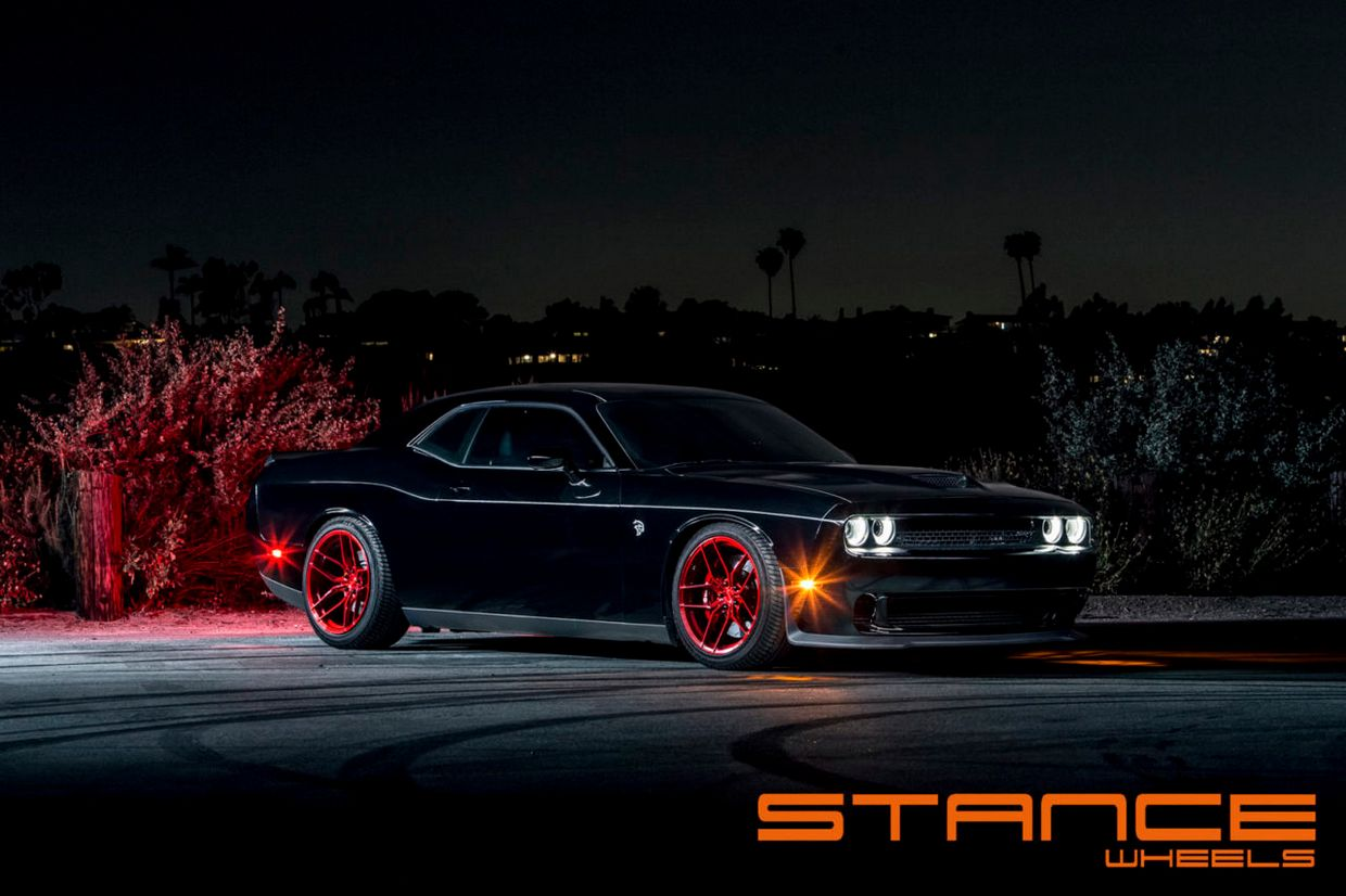 Stance SF03 on Dodge Hellcat