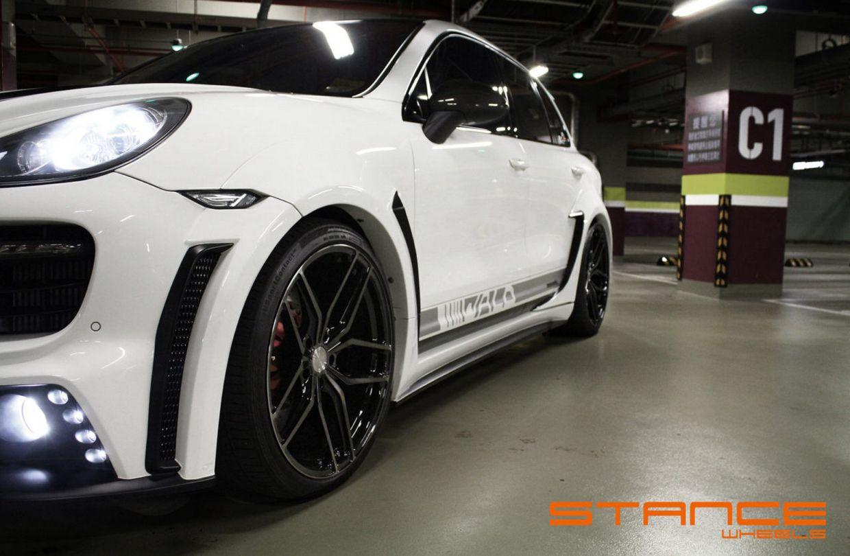 Stance SF03 on Porsche Cayenne