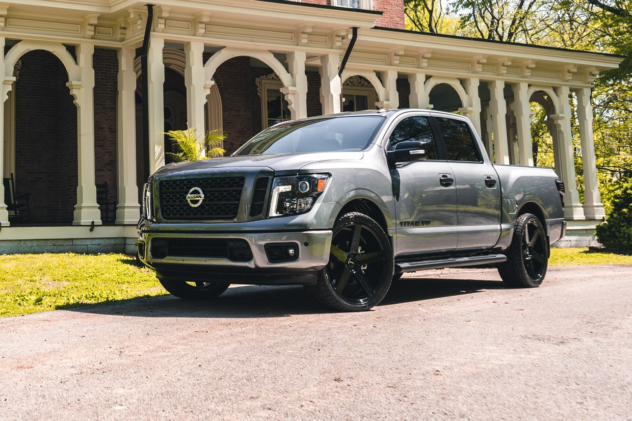 Status Status Empire Wheels on Nissan Titan