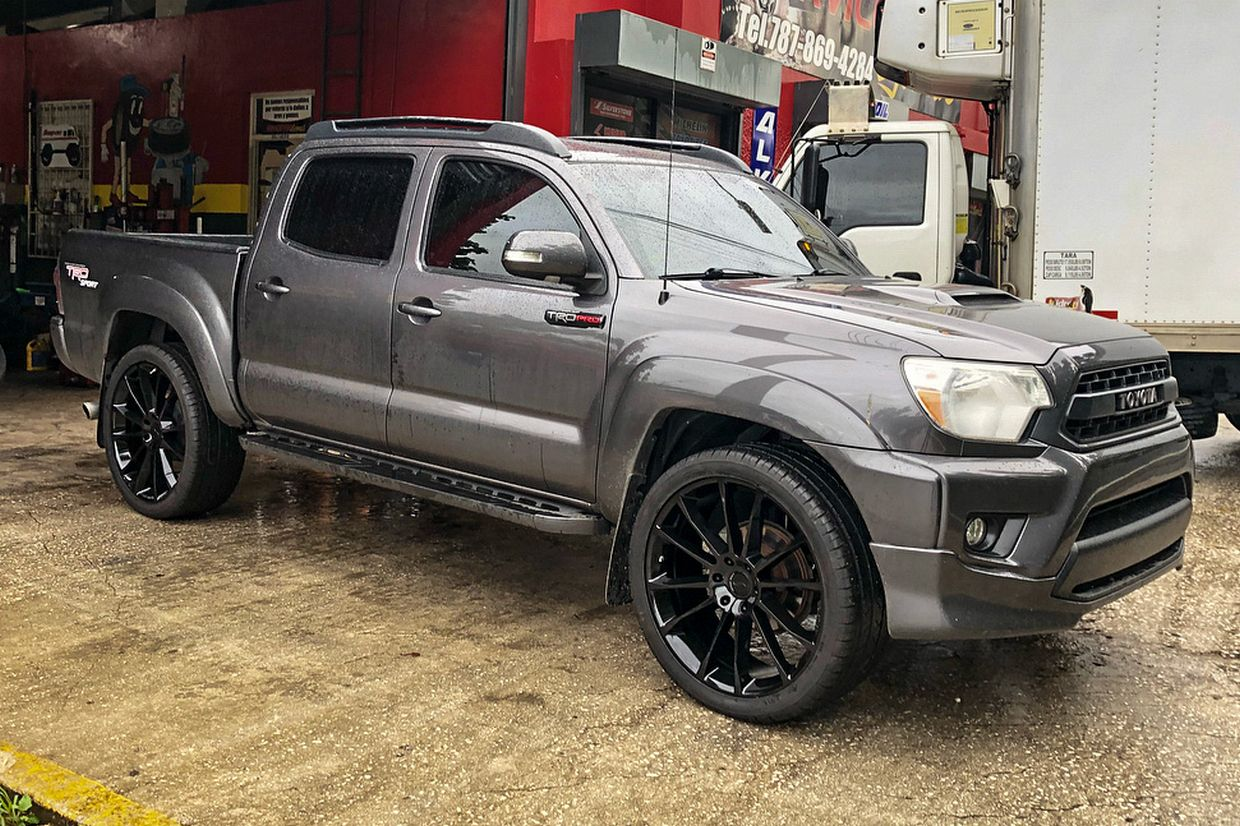 Status Status Goliath Wheels on Toyota Tacoma