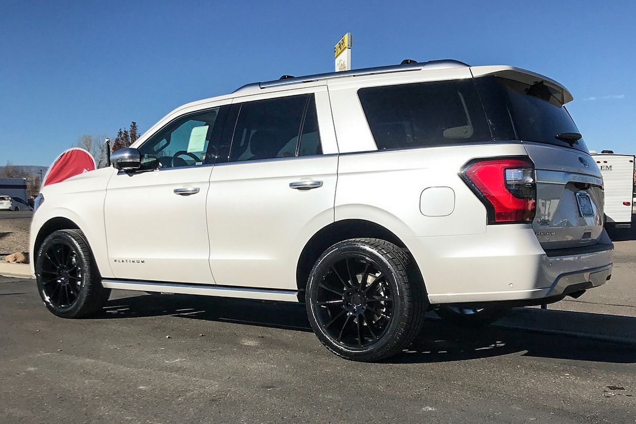 Status Status Goliath Wheels on Ford Expedition