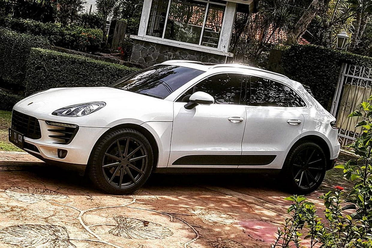 TSW Tsw Bathurst Wheels on Porsche Macan