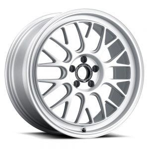 Fifteen52 Holeshot RSR Radiant Silver